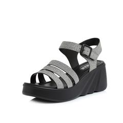 Belle/百丽2018夏新专柜同款银灰亮片人造革女凉鞋BQL32BL8