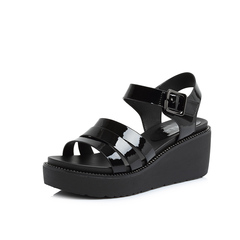 Belle/百丽2018夏新专柜同款黑色人造革女凉鞋S4J1DBL8