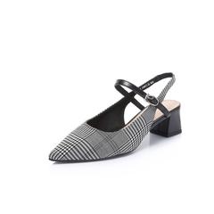 Belle/百丽2018夏新品专柜同款格子布女尖头后空粗跟凉鞋BPT34BH8