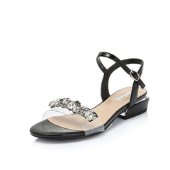 Belle/百丽2018夏季专柜新款皱漆皮牛皮革/胶片闪钻女凉鞋BWC38BL8
