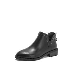 Belle/百丽2018冬季专柜新款黑铆钉装饰油皮牛皮革女及踝靴BPB56DD8