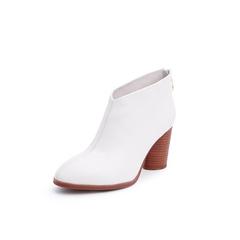 Belle/百丽2018冬季专柜新款白色牛皮革女尖头粗跟及踝靴T1B1DDD8