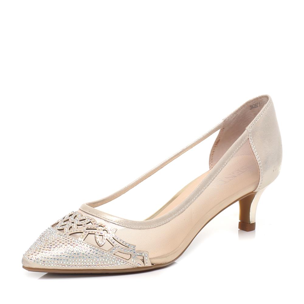 森达女鞋专柜