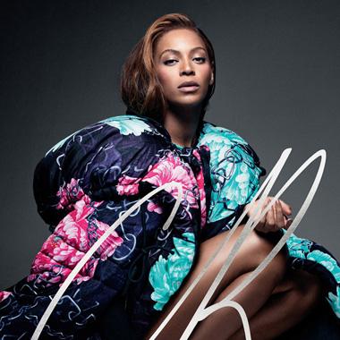 Beyoncé 登上《CR Fashion Book》