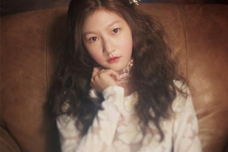 韩国童星金赛纶梦幻写真 散发的小姑娘最动人