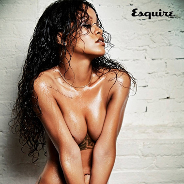 Rihanna性感演绎英国版《Esquire》