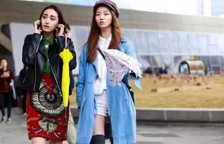 [2015年韩国最时尚的服装搭配什么样]究竟2015年韩国最时尚的服装搭配是什么样的呢?