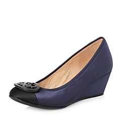 STACCATO/思加图2018年春季专柜同款深蓝色真丝布面浅口女单鞋ER963AQ8