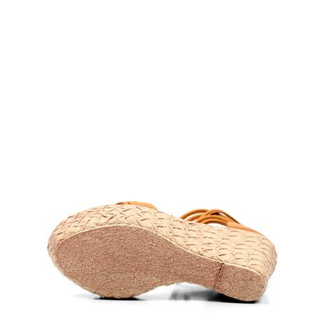 纯色 鞋跟形状: 松糕坡跟厚底 鞋面材质: 羊皮革 流行元素: 糖果色脚