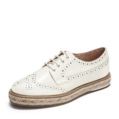 Tata/他她2019春专柜同款白色漆牛皮革雕花绑带英伦女单鞋FD020AM9